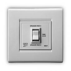 Розетка QED WM-17   2-х канальный выключатель громкоговорителей (последовательный) A-WM17